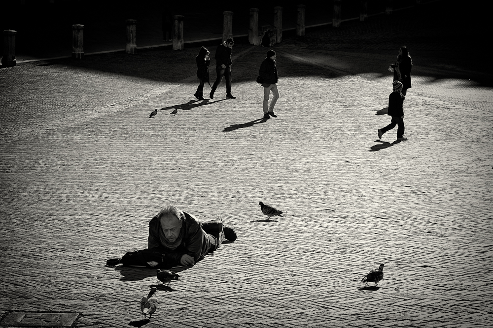 Relax on Piazza del Campo